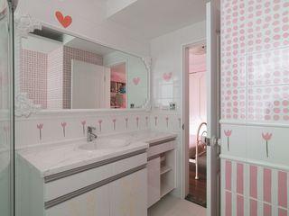 甜美粉色系简欧风卫生间效果图