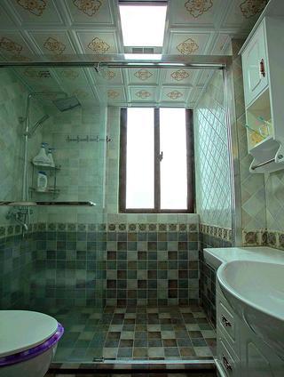 复古简欧设计马赛克卫生间效果图