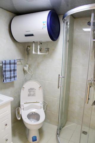 一居室简欧公寓装修卫生间实景图
