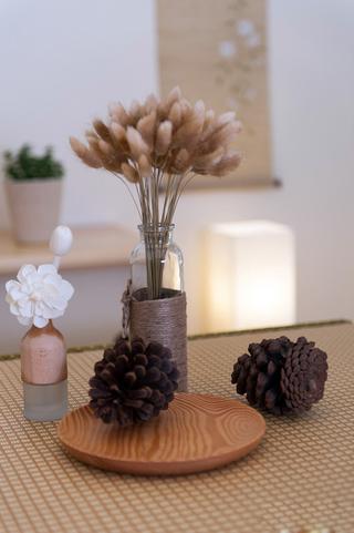 日式风格两居室装修饰品摆件特写