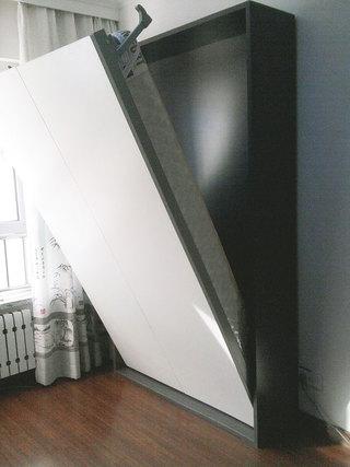 白色隐形床效果图