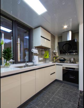 大户型现代风格装修厨房实景图