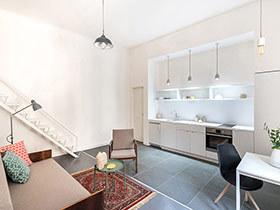 110平旧房改造单身公寓装修 用色彩激活空间