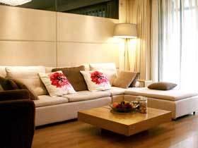 温馨现代简日式 实木风情两居室装修