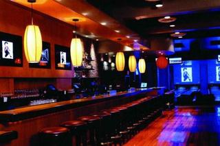 日式酒吧吧台装修效果图