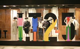 服装店玻璃橱窗设计装修图片欣赏