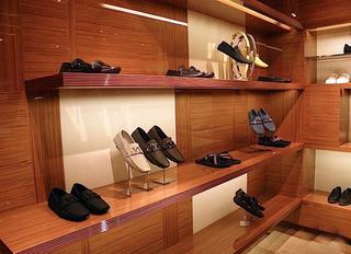 服装店设计鞋架效果图片