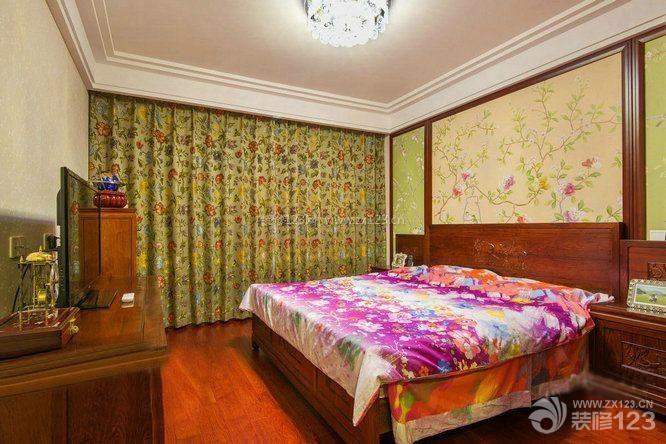 中式卧室碎花形窗帘装修效果图