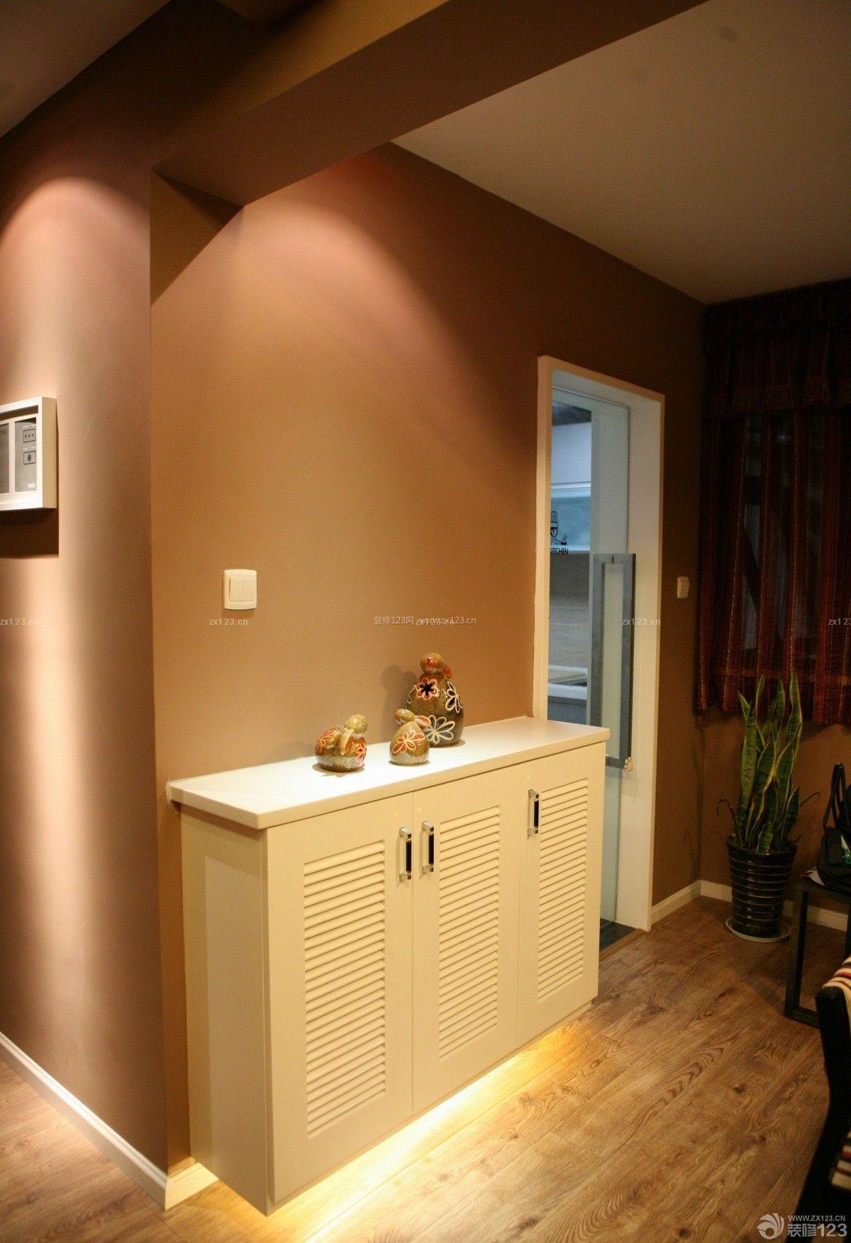沉稳家装室内实木鞋柜设计图片展示