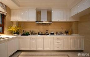 简约厨房整体橱柜装修效果图