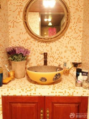 卫生间洗手盆玻璃镜装修图片