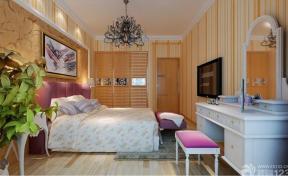 简欧式跃层式住宅卧室设计效果图