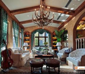 现代欧式风格客厅大花图案窗帘装修效果图
