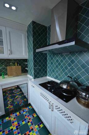 绚丽厨房仿古砖装修实景图
