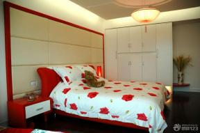 现代简约卧室装饰实景图
