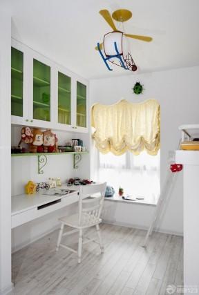2020现代家庭卧室装修婴儿床效果图