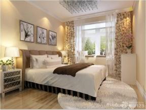 简约风格设计卧室原木地板装修效果图