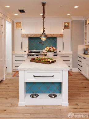 美式乡村别墅厨房装修设计效果图