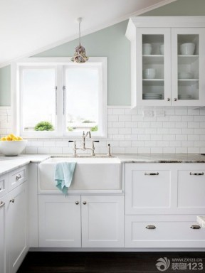 家装现代简约风格厨房装修设计效果图