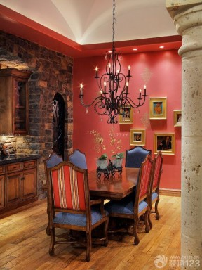 80平米两房3万元美式餐桌装修效果图