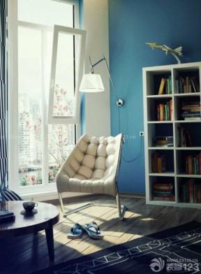 现代风格小阳台蓝色墙面装修效果图片