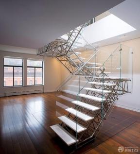 现代简约风格混合材料楼梯装修图片