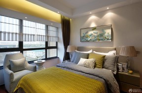 10平方米卧室卷帘装修实景图