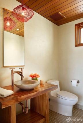 现代美式小户型卫生间装修效果图