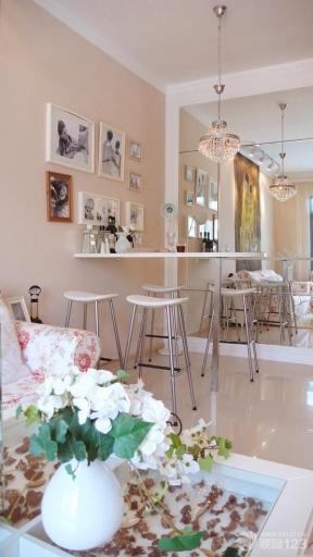 现代简约风格小户型餐厅装修效果图