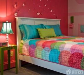 小户型住宅90后女生卧室装修风格红色墙面效果图