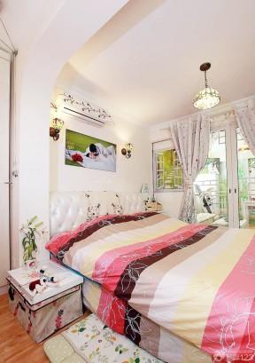 最新90后婚房设计小型卧室装修效果图